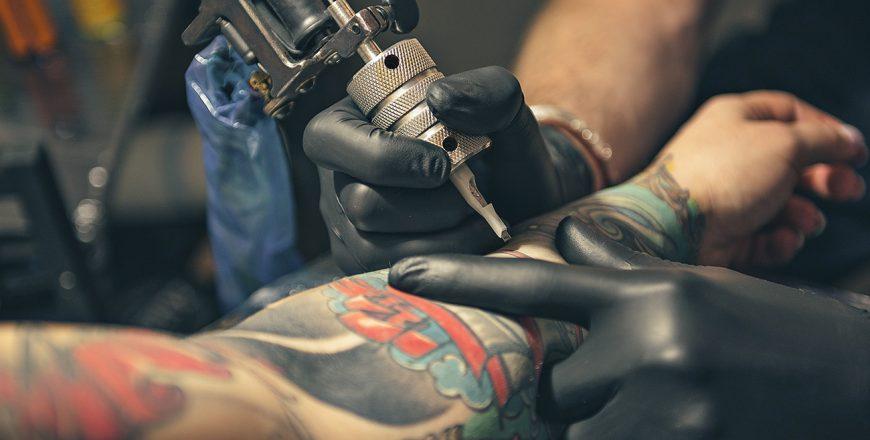 Tatuaggio & Piercing - prot. 0121